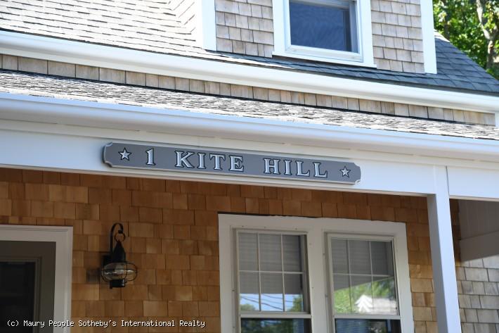 1 Kite Hill