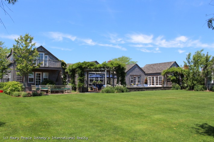20 Brant Point Road